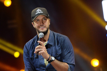 Luke Bryan Luke Bryan Announces Stadium Tour