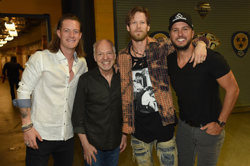 Luke Bryan Tyler Hubbard All for the Hall - Backstage
