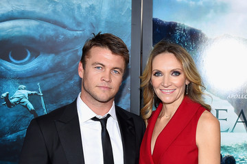 Luke Hemsworth 'In the Heart of the Sea' New York Premiere - Inside Arrivals