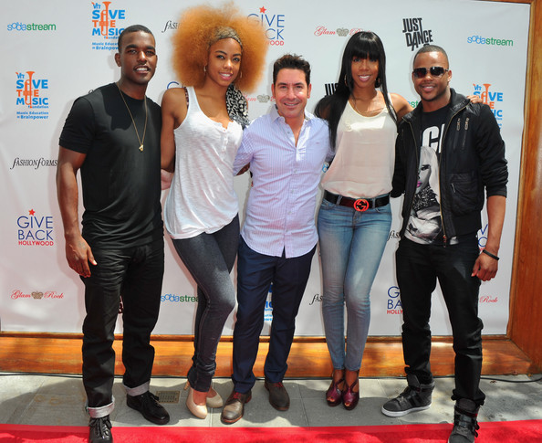 Give Back Hollywood Foundation's Benefit For The VH1 Save The Music Foundation []