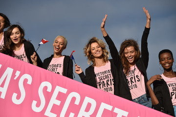 Luma Grothe Victoria's Secret Models Depart for Paris For 2016 Victoria's Secret Fashion Show