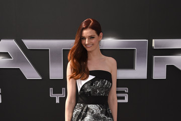 Lydia Hearst Celebs Arrive at the Premiere of Paramount Pictures' 'Terminator Genisys'