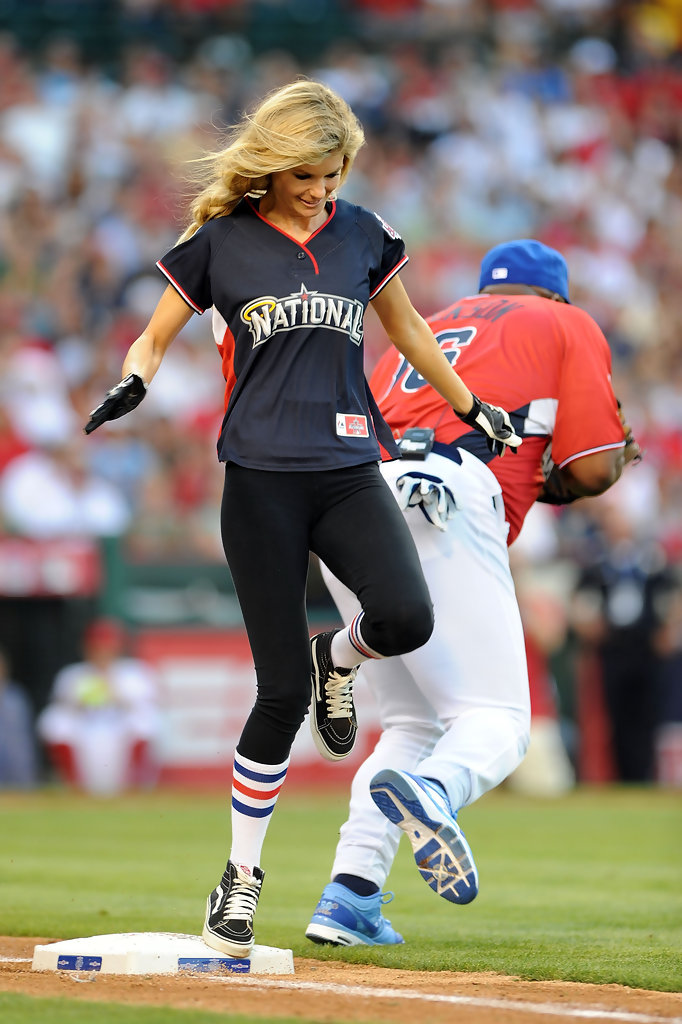 MLB Celebrity Softball Game 2018: TV Schedule, Roster Info ...