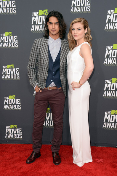 avan jogia dating 2013 Avan jogia is a canadian actor, model, director and an activist the actor has been dating actress zoey since past 5-years however, they recently broke up and avan.
