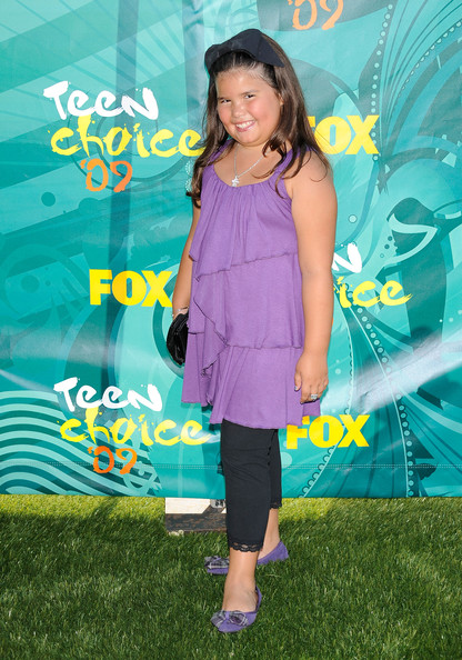 2009 Teen Choice Awards - Fashion Choices [madison de la garza,green,premiere,fun,performance,child,event,electric blue,carpet,flooring,talent show,arrivals,actress,2009 teen choice awards,universal city,california,gibson amphitheatre]