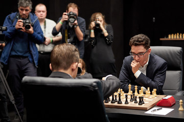 Magnus Carlsen First Move Ceremony Of The Championship Match 2018