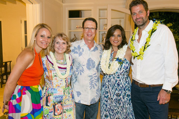 Maile Zambuto Tori Richard Toasts Mariska Hargitay At VIP Dinner In Celebration Of The Joyful Heart Foundation's 10th Anniversary In Honolulu