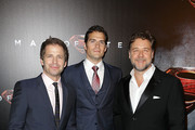 Russell Crowe Zack Snyder Photos Photo