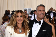 """Actress Sarah Jessica Parker (L) and Andy Cohen attend the """"Manus x Machina: Fashion In An Age Of Technology"""" Costume Institute Gala at Metropolitan Museum of Art on May 2, 2016 in New York City."""