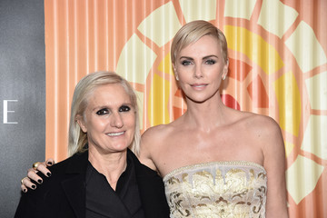 Maria Grazia Chiuri Charlize Theron Hosts Africa Outreach Project Fundraiser