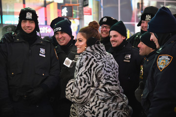 Maria Menounos Dick Clark's New Year's Rockin' Eve With Ryan Seacrest 2018