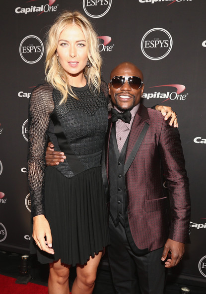 ¿Cuánto mide Maria Sharapova? - Altura - Real height Maria+Sharapova+Floyd+Mayweather+Jr+Backstage+oivAez04Hlrl