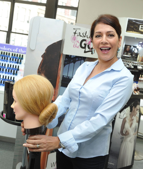 Duane Reade Celebrates Fashion-On-The-Go Hair Styling Services