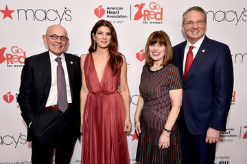Marisa Tomei The American Heart Association's Go Red For Women Red Dress Collection 2018 Presented By Macy's - Arrivals & Front Row