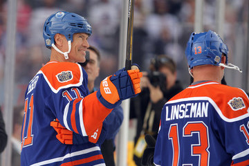 Mark Messier 2016 Tim Hortons NHL Heritage Classic - Alumni Game