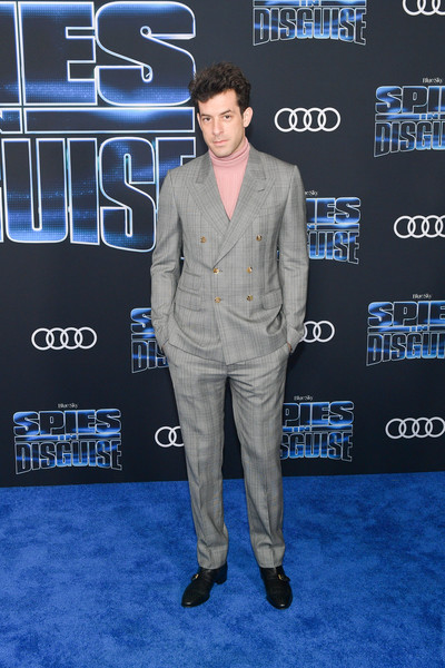 Premiere Of 20th Century Fox's 'Spies In Disguise' - Arrivals [suit,premiere,carpet,red carpet,flooring,event,outerwear,electric blue,white-collar worker,arrivals,mark ronson,california,los angeles,el capitan theatre,20th century fox,spies in disguise,premiere,premiere]