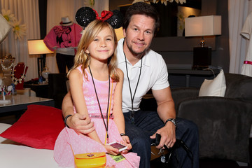 Mark Wahlberg Ella Wahlberg Minnie Gifting Lounge At The 2013 Radio Disney Awards