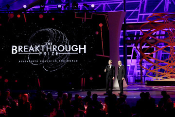 Mark Zuckerberg 2017 Breakthrough Prize - Show