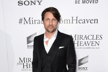 Martin Henderson Premiere of Columbia Pictures' 'Miracles from Heaven' - Arrivals