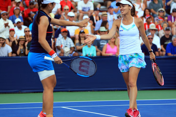 Martina Hingis Rogers Cup Presented by National Bank - Day 5