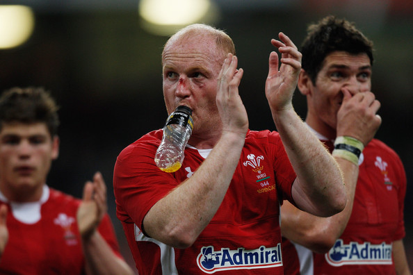 Martyn Williams leaves the field after winning his 100th Test cap