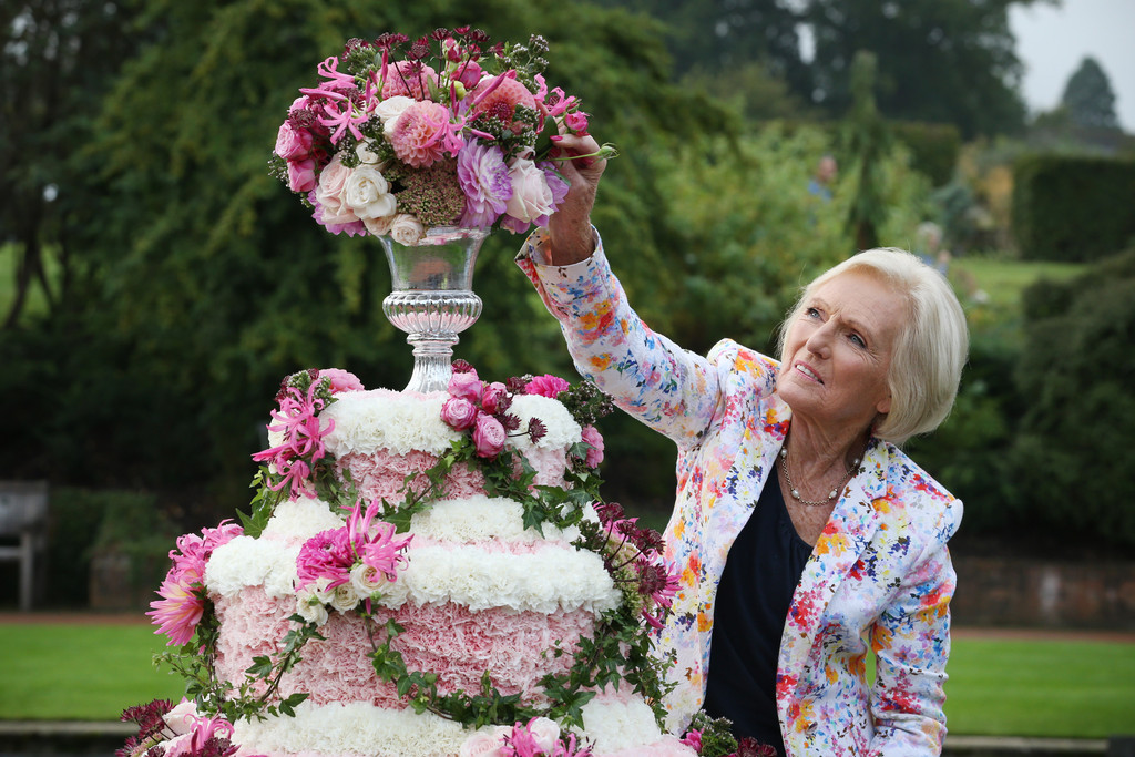 Mary Berry Opens RHS Wisley Flower Show - Pictures - Zimbio