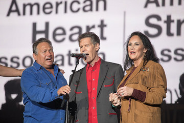 Mary Davis Randy Travis BeautyKind Unites: Concert for Causes