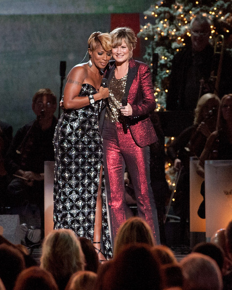 Mary J. Blige - CMA 2013 Country Christmas