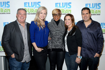 Mary J. Blige Mary J. Blige Visits a Radio Morning Show