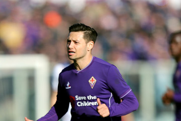 Mauro Zarate completes West Ham move as Argentinian ace signs from ...