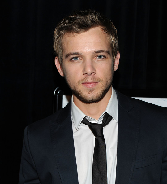 Max Thieriot - Picture Colection