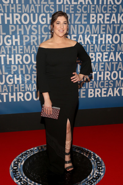 2018 Breakthrough Prize - Red Carpet [red carpet,clothing,dress,red carpet,carpet,shoulder,premiere,flooring,event,style,mayim bialik,breakthrough prize,mountain view,california,nasa ames research center]