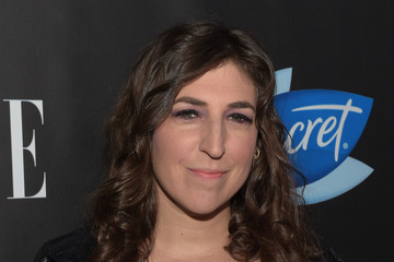 Mayim Bialik ELLE Hosts Women In Comedy Event With July Cover Stars Leslie Jones, Melissa McCarthy, Kate McKinnon And Kristen Wiig - Red Carpet
