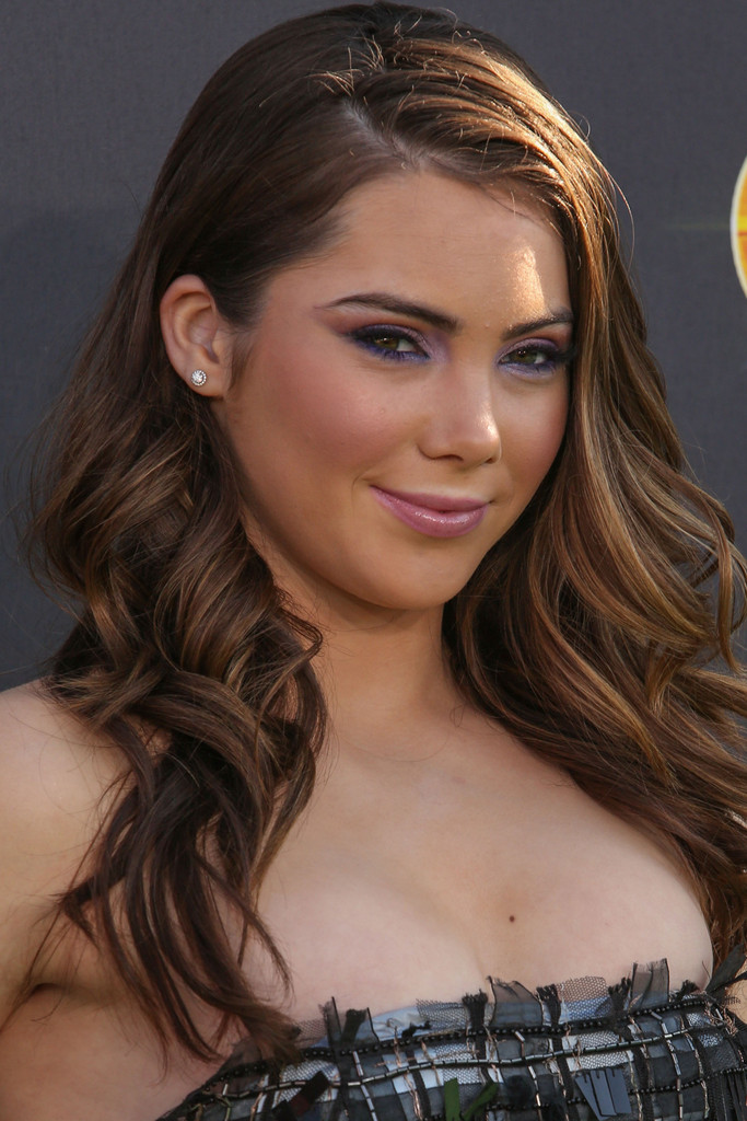 Fake Nude Pictures Mckayla Maroney Skips All The