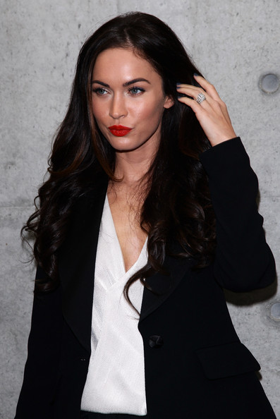 MEGAN FOX HAIRSTYLES 2011. MEGAN FOX HAIRSTYLES 2011