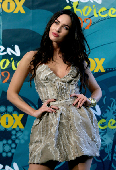 Megan+Fox+2009+Teen+Choice+Awards+Press+Room+POCCF7 586Vl Solomon's got a big goofy smile that'll make your heart melt.