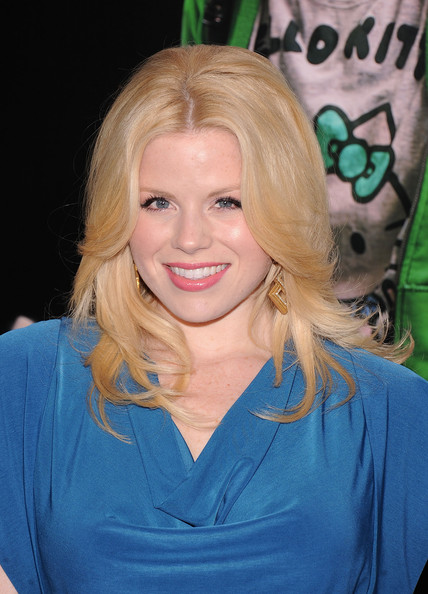 Megan Hilty Megan Hilty attends the