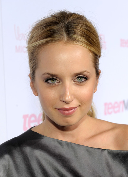 Megan Park Actress Megan Park arrives at The 8th Annual Teen Vogue Young ...