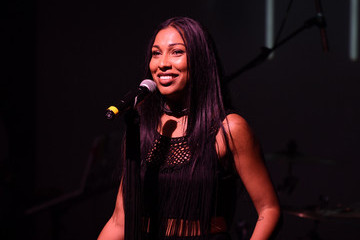 Melanie Fiona Verizon Celebrates Consumers With 'The Big Payoff' Featuring a Performance By Melanie Fiona and Expert Entertainment Panel