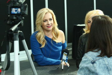 Melissa Joan Hart Lifetime's 'The Watcher in the Woods' Panel With Melissa Joan Hart and Paula Hart at New York Comic Con 2017