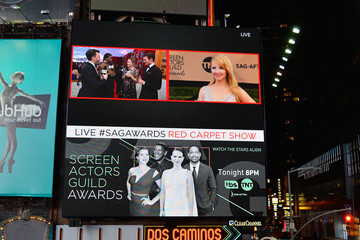 Melissa Rauch The 23rd Annual Screen Actors Guild Awards - Times Square Viewing