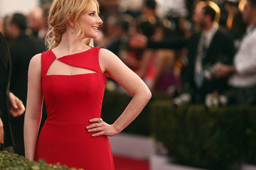 Melissa Rauch The 22nd Annual Screen Actors Guild Awards - Red Carpet