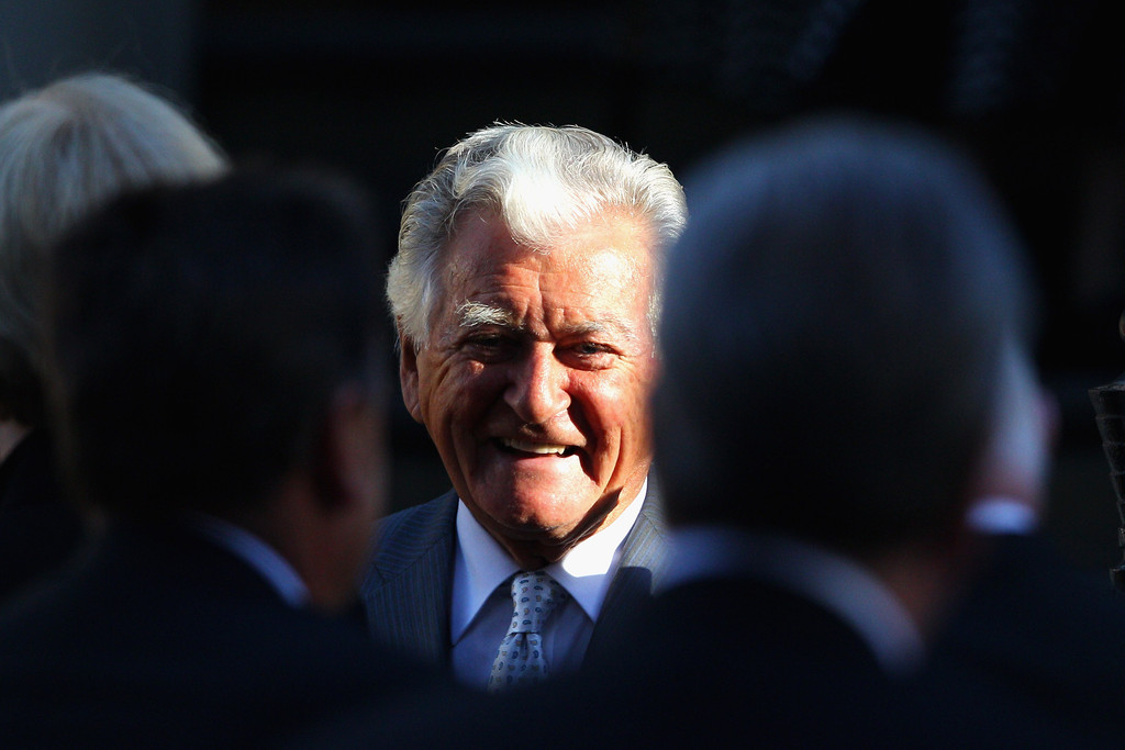 prime minister bob hawke Former prime minister bob hawke ac received an honorary degree from the  university of sydney for his leadership on economic reforms,.