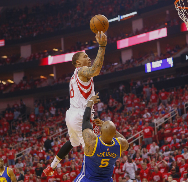 Rockets Vs Warriors Uverse: Michael Beasley And Marreese Speights Photos