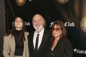Michele Singer Friar's Club Honors Billy Crystal With Entertainment Icon Award
