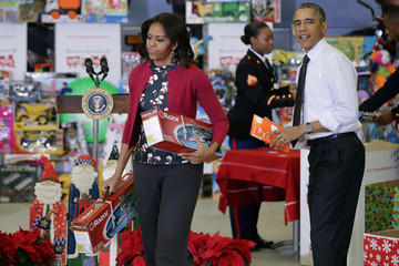 Michelle Obama The Obamas Team Up with Toys for Tots