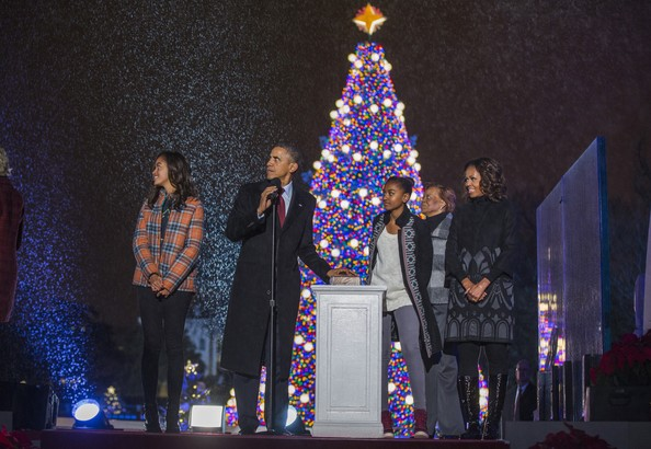 First Family Attend National Christmas Tree Lighting - Michelle Obama Photos Photos - First Family Attend National