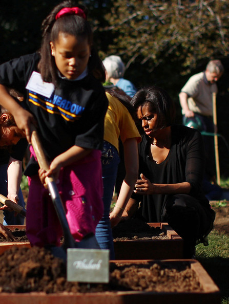 The First Lady Hosts Spring Planting At The White House Kitchen Garden []