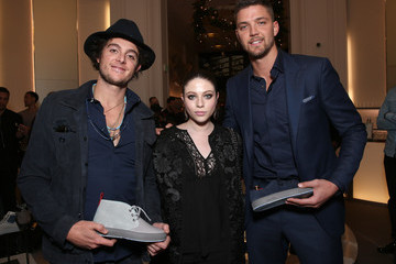 Michelle Trachtenberg Saks Fifth Ave Presents Del Toro Chandler Parsons Event