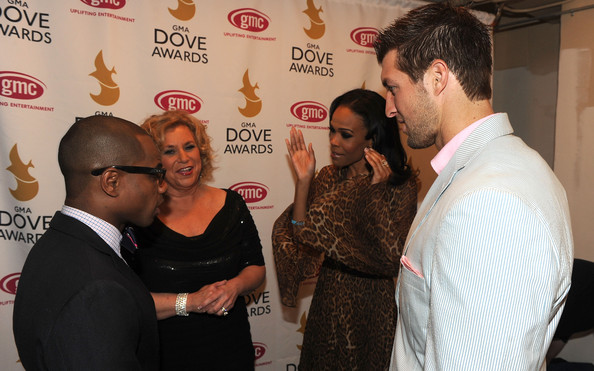 Michelle Williams >> Fotos (shoots, candids, eventos...) Michelle+Williams+42nd+Annual+GMA+Dove+Awards+a4IhplbrHLTl